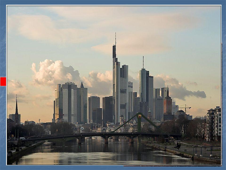 W. Goethe ist in... geboren. a) Dresden, b)Frankfurt, c) Leipzig