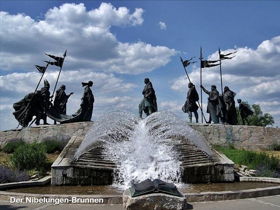 Der Nibelungen-Brunnen