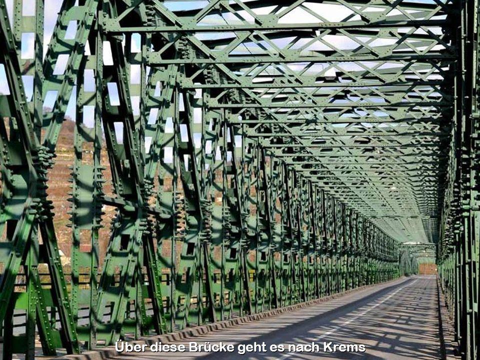 In der nach Bundeskanzler Julius Raab benannten Kaserne ist das Kommando der 3. Panzergrenadierbrigade stationiert