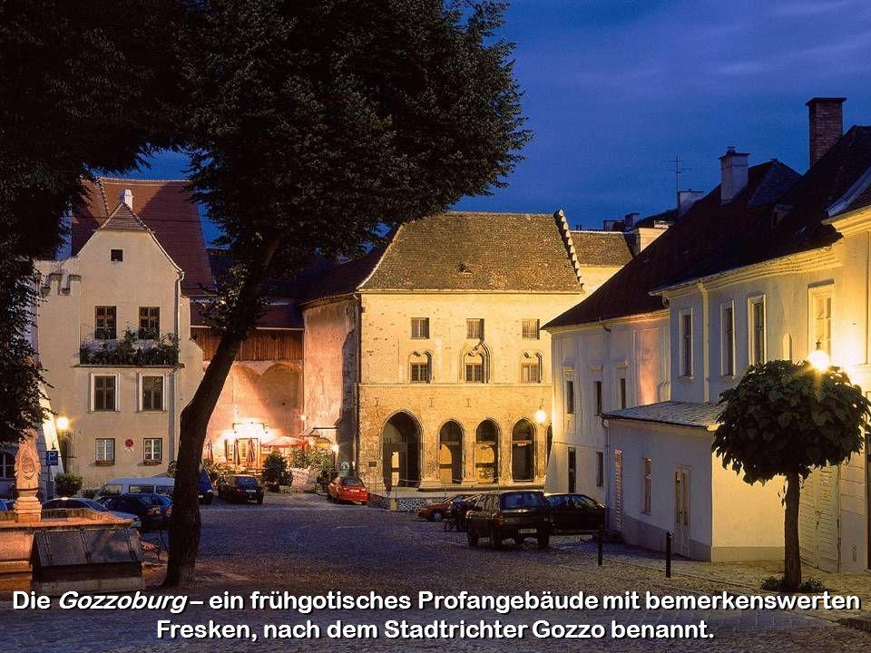 Das Steiner Tor ist ein erhalten gebliebenes Stadttor und gilt als das Wahrzeichen der Stadt.