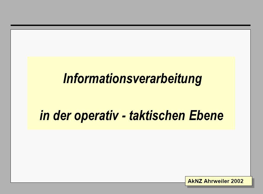 Folie 11 AkNZ Ahrweiler 2002 Der Nachrichtenvordruck in der Einsatzleitung Sichter Der Sichter legt durch Eintagung die Verteilung der eingegangenen Nachricht fest Bei Gesprächsnotizen kann der Verfasser die Stellen bestimmen, die Kenntnis bekommen sollen.