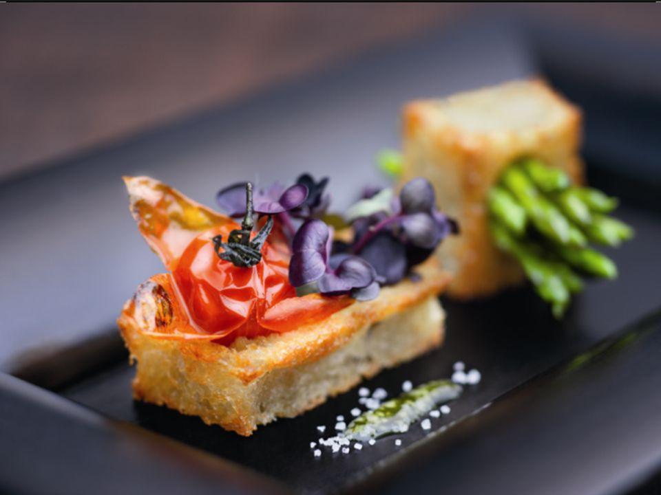 8 MASALA APHRODITE GEWÜRZZUBEREITUNG Geschmack: erfrischend fruchtig, scharf nach Ingwer, mit einer fein säuerlichen Note Kulinarische Bestimmung: helles Fleisch wie Pute, Kaninchen und Huhn; Fisch und –Salatkompositionen, Käsespezialitäten, gebratene Früchte und Süßspeisen sowie als Dekorgewürz ohne Zusatz von Geschmacksverstärkern, lactosefrei, glutenfrei gemäß Codex Alimentarius, kenntlichmachungsfrei auf Speisekarten