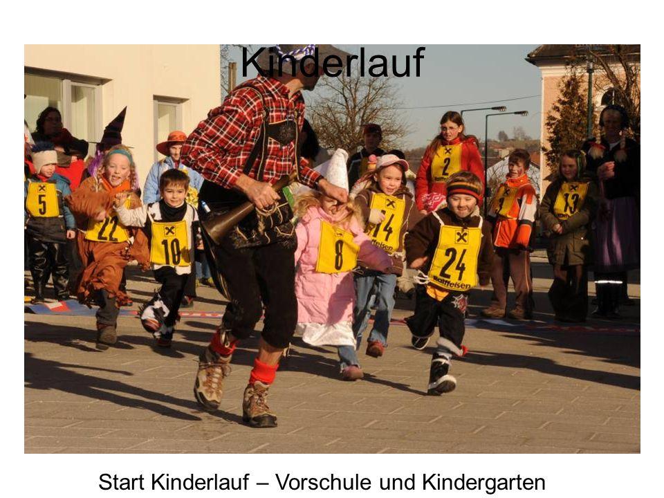 Vbgm. Erhart Rudolf, Obmann des Musikvereines Fritz Kampl, Uschi Rudolf und Vera Nagl Prost