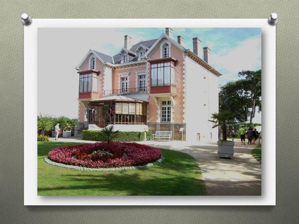 Christian Dior, geb. 21.01.1905 in Granville, Frankreich, gestorben 24.10.1957 in Montecatini Terme, Italien, war ein international bekannter französi