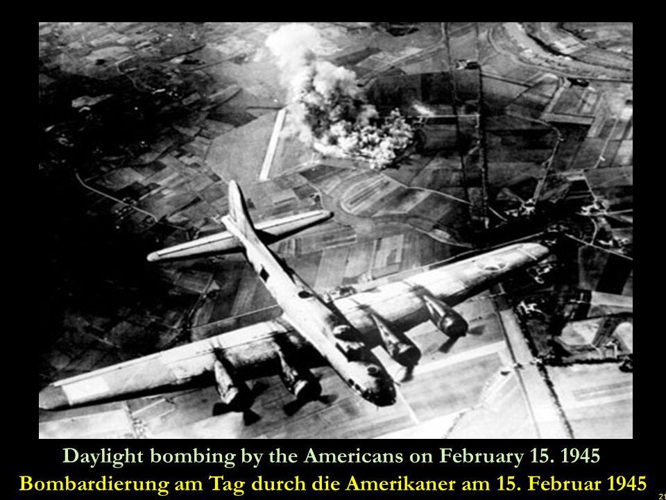 20 More American bombers over Dresden Weitere amerikanische Bomber über Dresden u