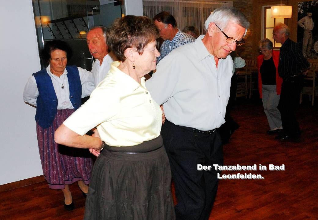 Ein fröhliches Tanzen.
