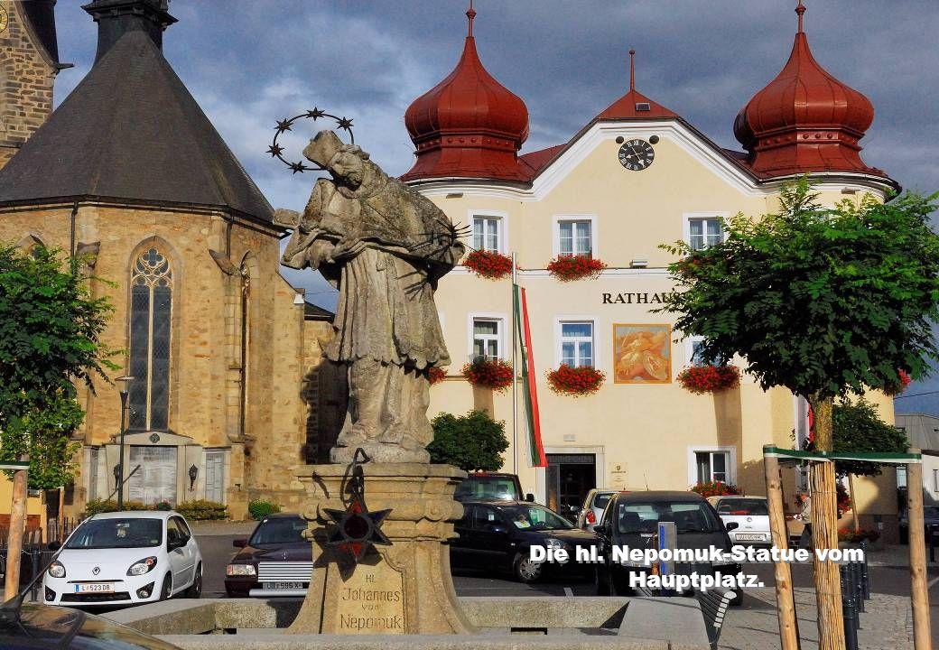Die hl. Nepomuk-Statue vom Hauptplatz.