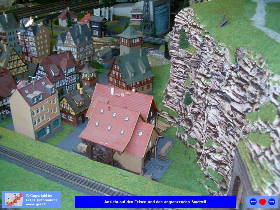 © Copyright by G-U-L Unternährer www.gul.ch Der Felsen wurde zweigeteilt, so dass der obere Teil weggenommen werden kann