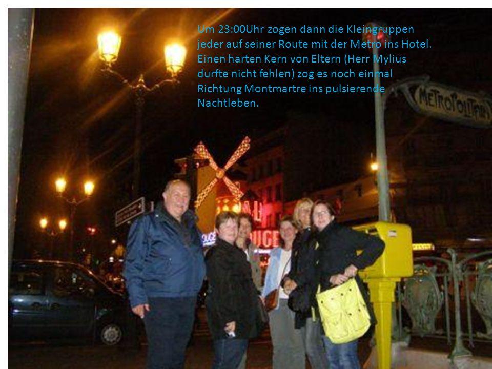 Um 23:00Uhr zogen dann die Kleingruppen jeder auf seiner Route mit der Metro ins Hotel. Einen harten Kern von Eltern (Herr Mylius durfte nicht fehlen)