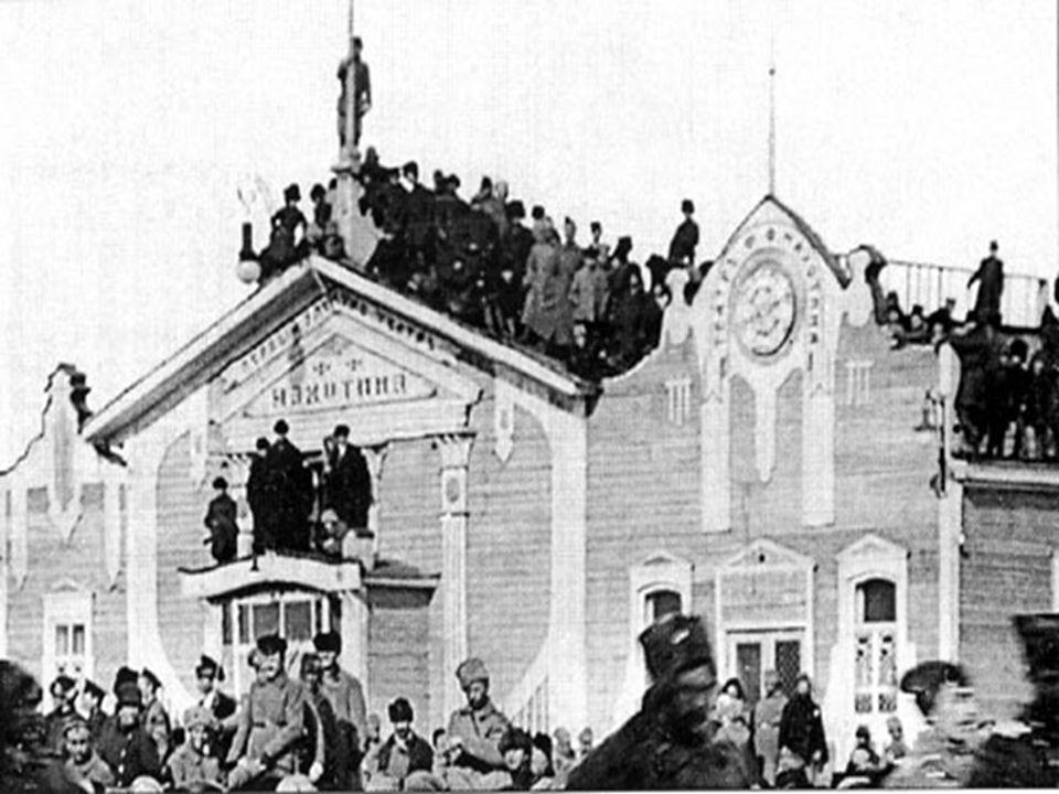 1904 Erstes Filmtheater.
