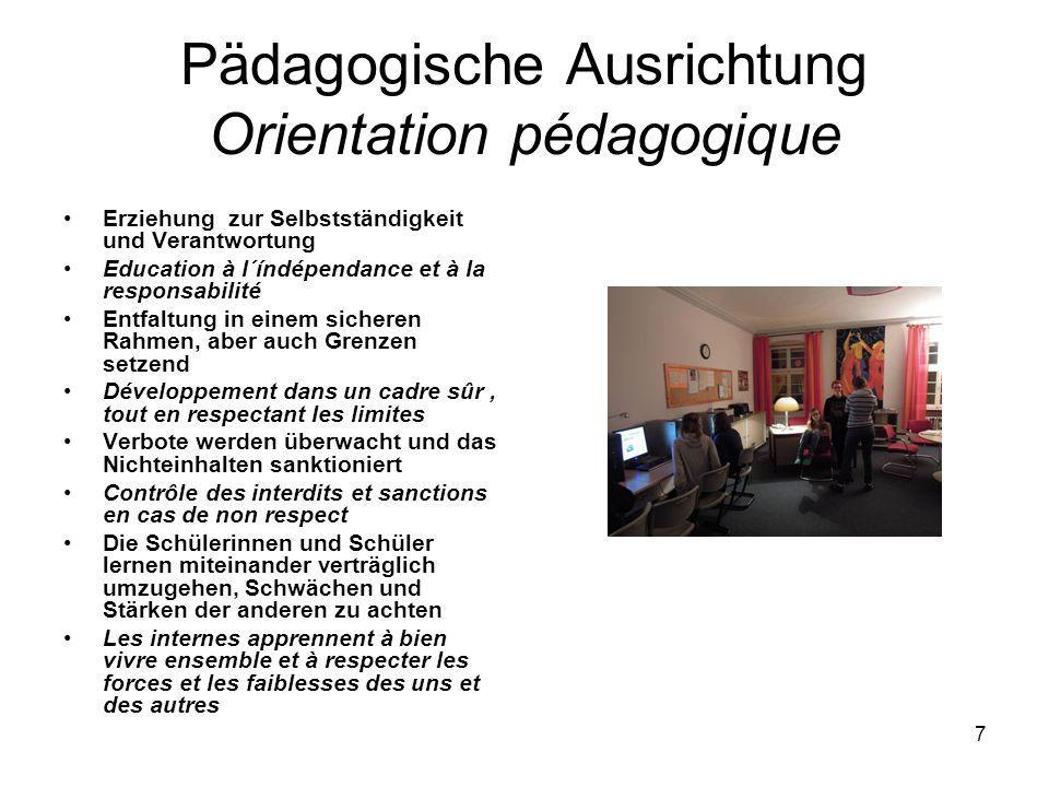 6 Die pädagogische Betreuung L´encadrement pédagogique Ein Erzieher bietet einen Kunstkurs an, ein anderer Gitarren- und Klavierunterricht Un éducateu