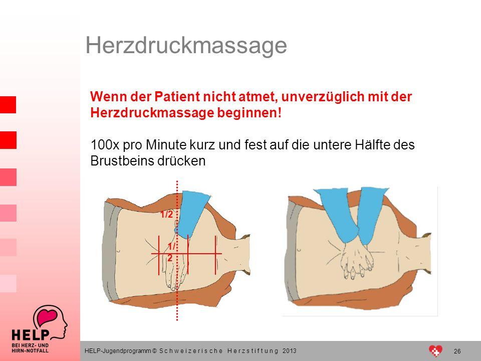 Wenn der Patient nicht atmet, unverzüglich mit der Herzdruckmassage beginnen! 100x pro Minute kurz und fest auf die untere Hälfte des Brustbeins drück
