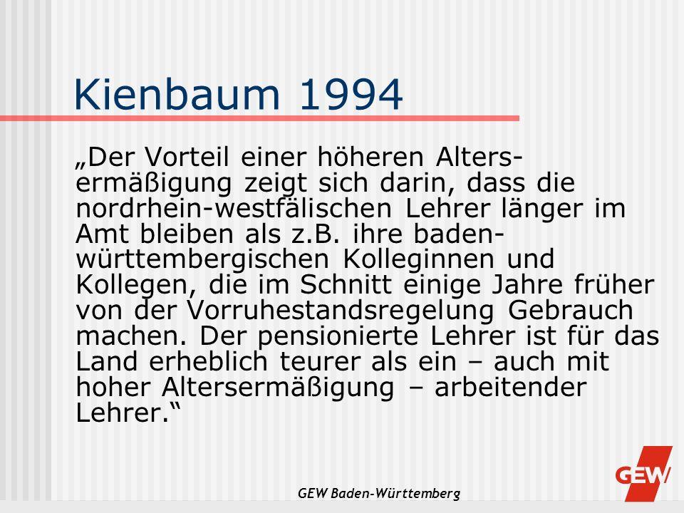 GEW Baden-Württemberg Kienbaum 1994 Der Vorteil einer höheren Alters- ermäßigung zeigt sich darin, dass die nordrhein-westfälischen Lehrer länger im A