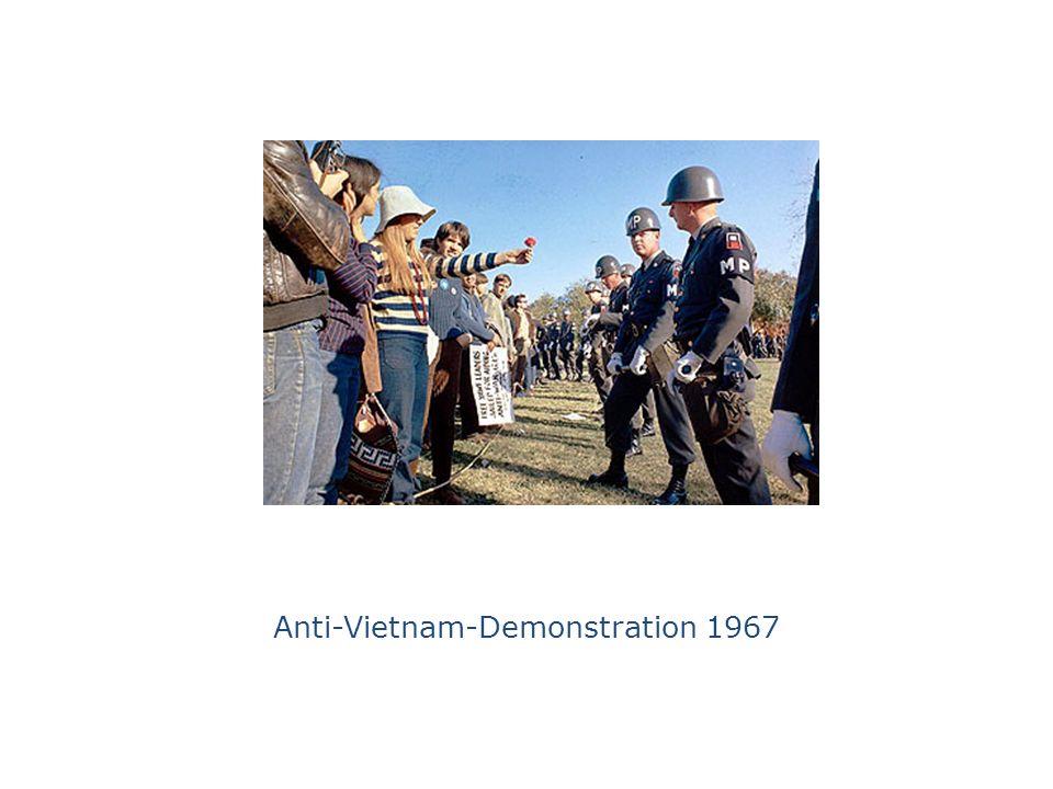 Internationaler Vietnam-Kongeß, 17.2.1968, FU Berlin