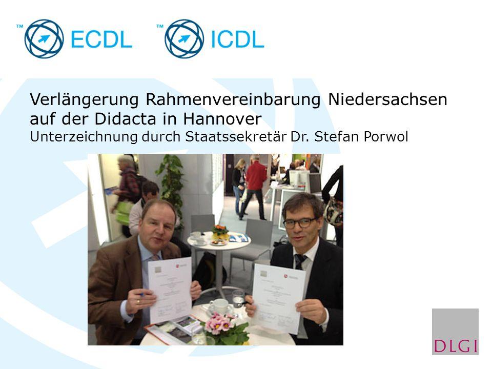 Verlängerung Rahmenvereinbarung Niedersachsen auf der Didacta in Hannover Unterzeichnung durch Staatssekretär Dr.