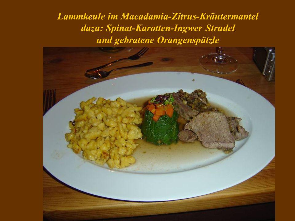 Lammkeule im Macadamia-Zitrus-Kräutermantel dazu: Spinat-Karotten-Ingwer Strudel und gebratene Orangenspätzle