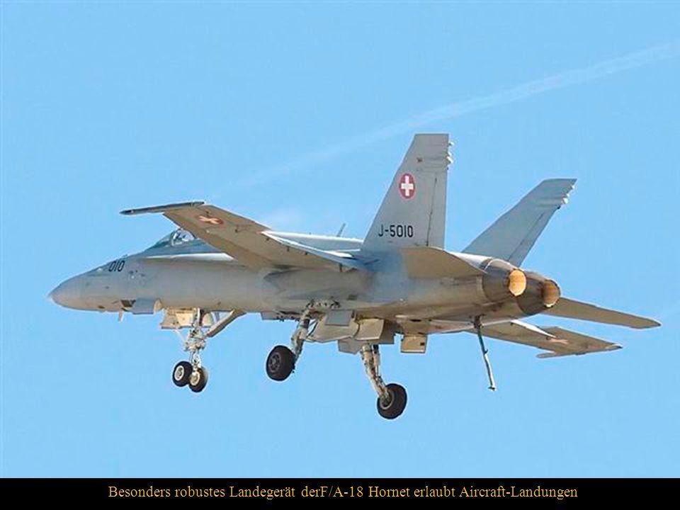 Besonders robustes Landegerät derF/A-18 Hornet erlaubt Aircraft-Landungen