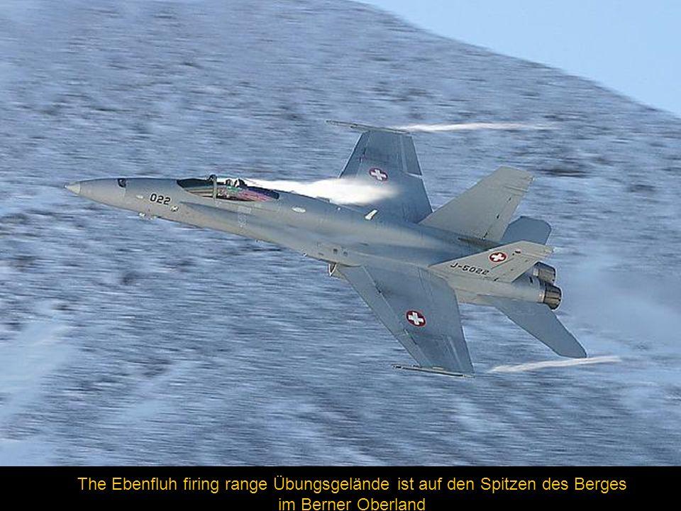 The Ebenfluh firing range Übungsgelände ist auf den Spitzen des Berges im Berner Oberland