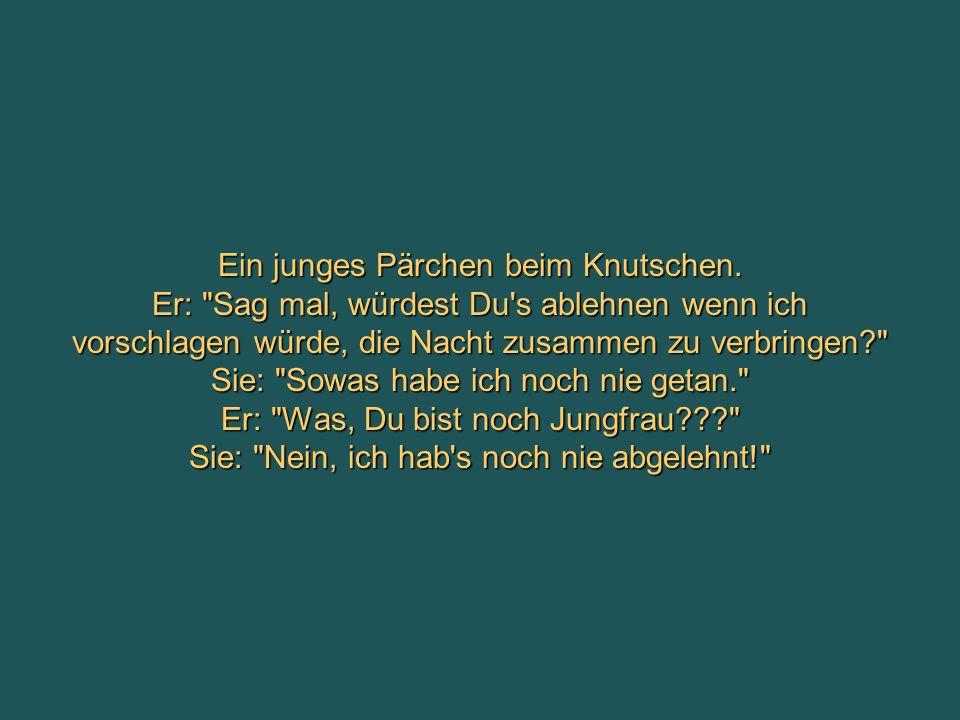 Ein junges Pärchen beim Knutschen.