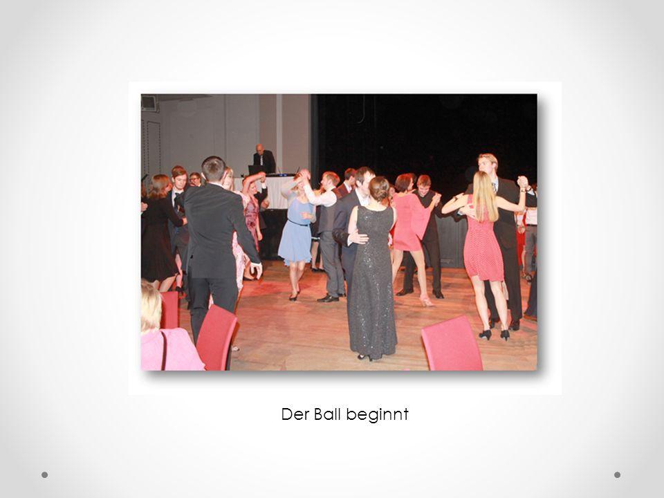 Alle Übungsleiter (v.l.n.r.) Michael Fibinger, Katharina Ziehr, Anne Dewitz, Alexander Humpert, DJ CooLX UND Übungsleiter, Kristina Kühn, Mitja Frerck