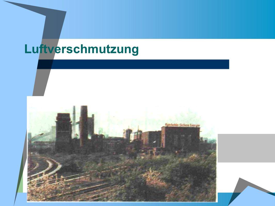 Luftverschmutzung Ein grosses Stahlwerk wirft in den Himmel etwa 1500 Tonnen Staub und Asche.