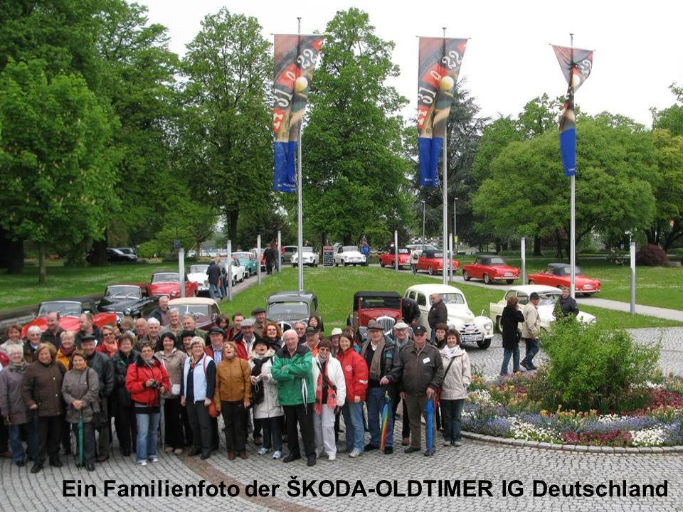 Ein Familienfoto der ŠKODA-OLDTIMER IG Deutschland