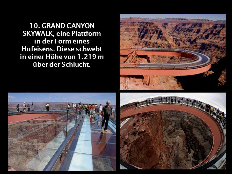 9. 5 FINGER, wie der Name andeutet eine Plattform in der Form einer Hand, auf dem Krippenstein, in Österreich.