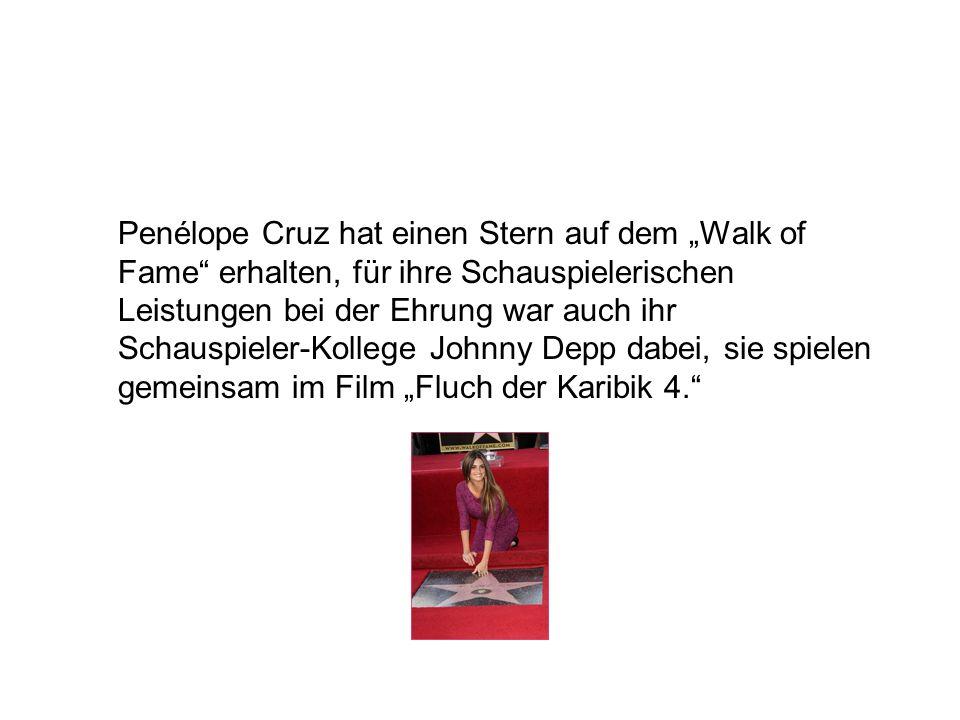 Penélope Cruz hat einen Stern auf dem Walk of Fame erhalten, für ihre Schauspielerischen Leistungen bei der Ehrung war auch ihr Schauspieler-Kollege Johnny Depp dabei, sie spielen gemeinsam im Film Fluch der Karibik 4.