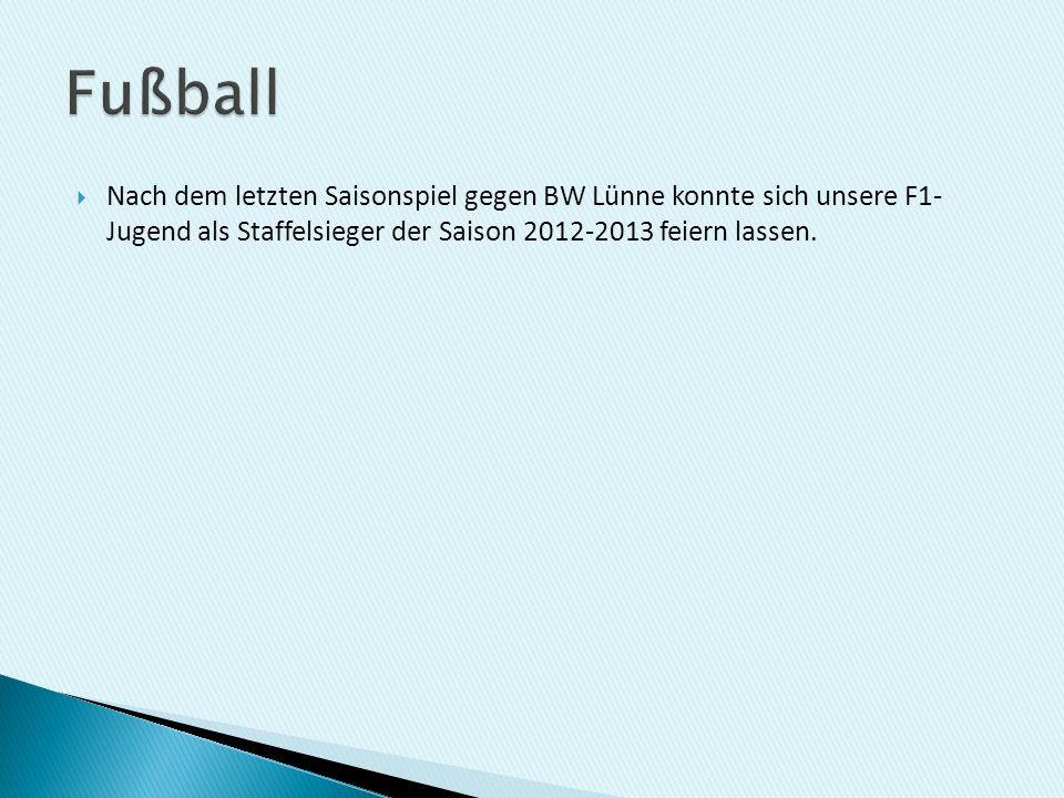Nach dem letzten Saisonspiel gegen BW Lünne konnte sich unsere F1- Jugend als Staffelsieger der Saison 2012-2013 feiern lassen.