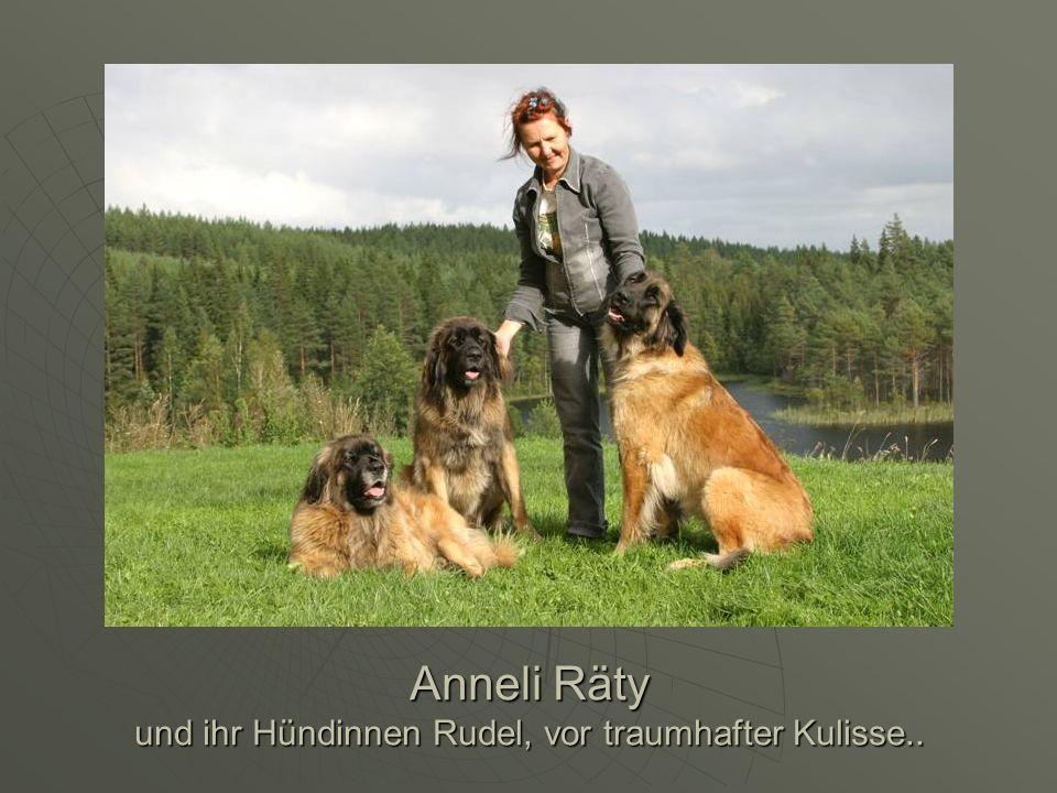 Anneli Räty und ihr Hündinnen Rudel, vor traumhafter Kulisse..
