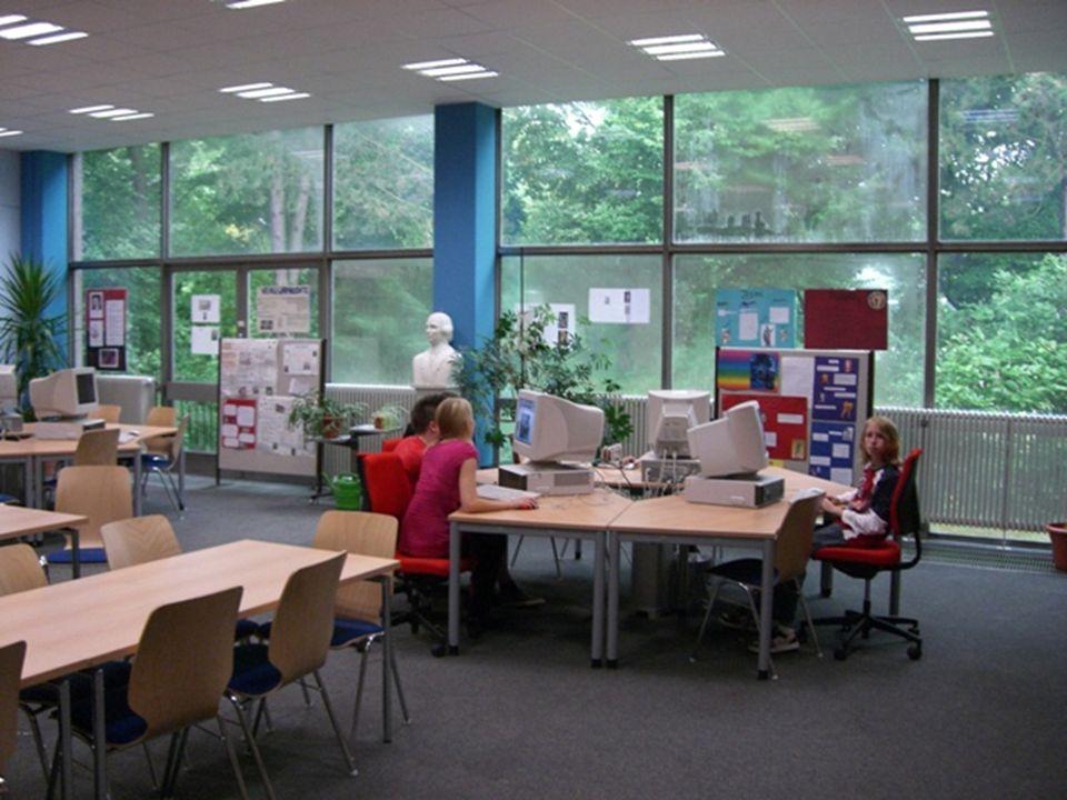 HERDERSCHULE Die Herderschule möchte, dass Ihre Schülerinnen und Schüler im Studium und Beruf Erfolg haben.