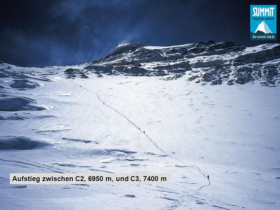 Aufstieg zwischen C2, 6950 m, und C3, 7400 m