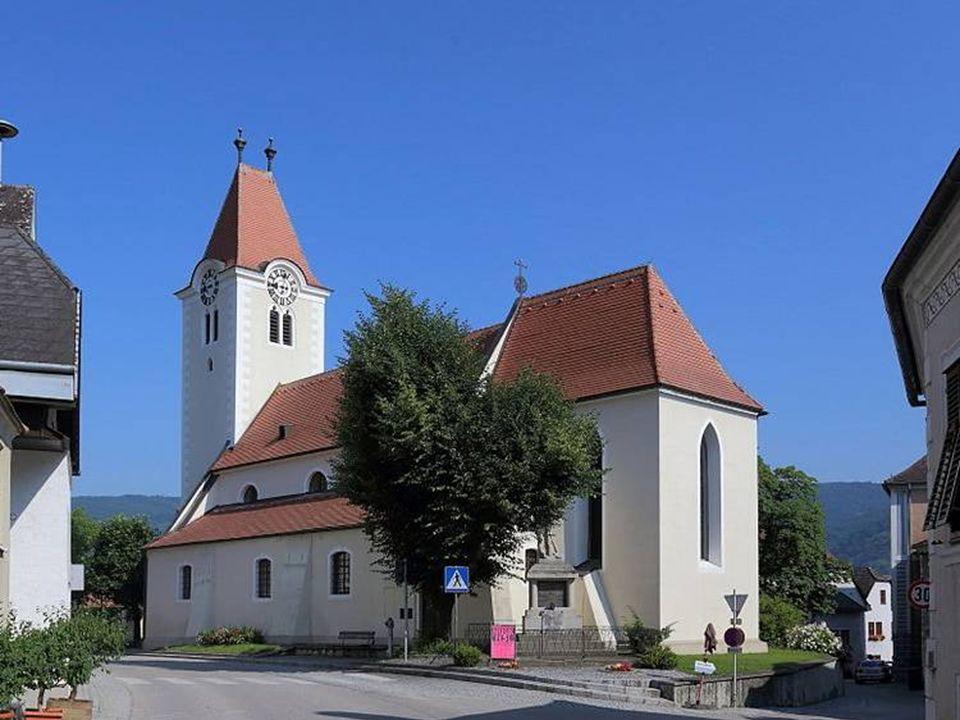 Rossatz Rossatz ist eine Katastralgemeinde der Gemeinde Rossatz-Arnsdorf, welche die größte Marillenanbaugemeinde in Österreich ist.