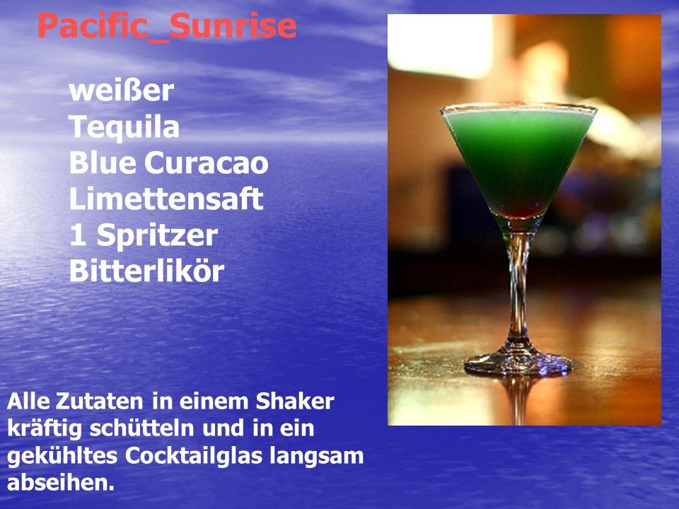 Alle Zutaten in einem Shaker kräftig schütteln und in ein gekühltes Cocktailglas langsam abseihen.