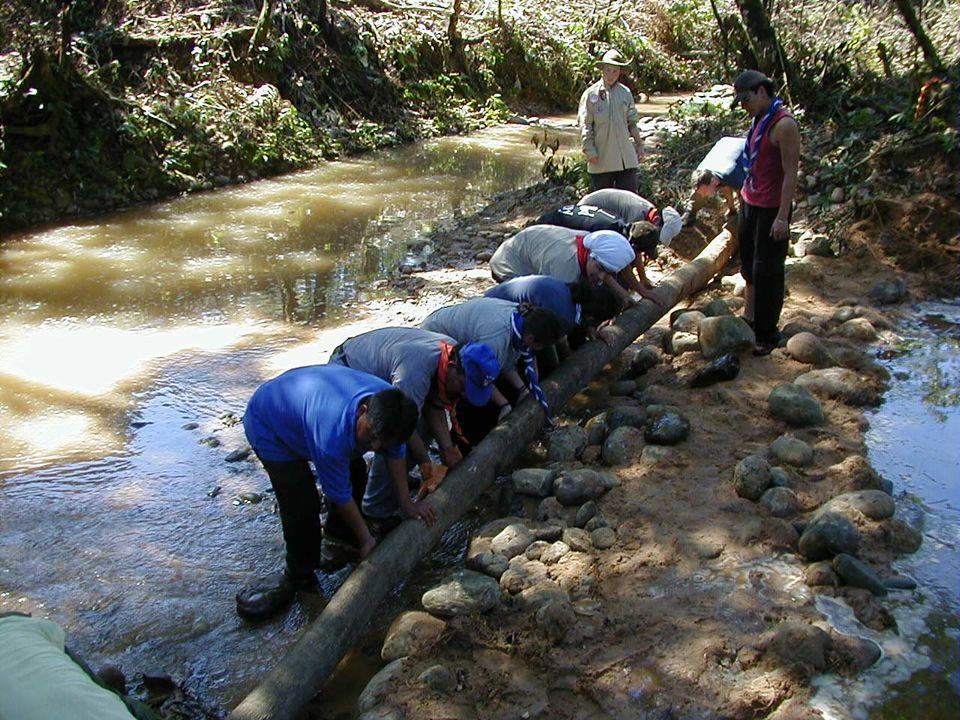 Das Projekt Anlegen eines internationalen Zeltplatzes Im Chapare, den Subtropen Cochabambas 6 Tage Rund 50 Rover In doppelt gemischten Zelten Gemischte Arbeitsgruppen Gemeinsam leben, arbeiten, feiern