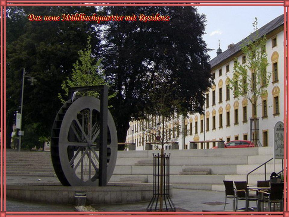 Hofgarten mit Basilika