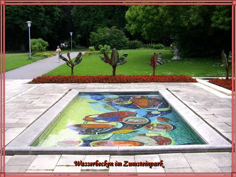 Die Festwochenbühne im Stadtpark mit Jochen König