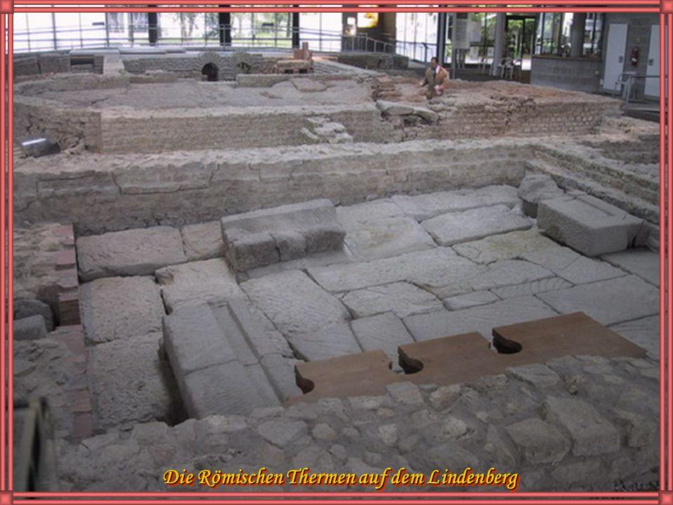 Bronzemodell der Basilika und des Forums im der Römerstadt Cambodunum