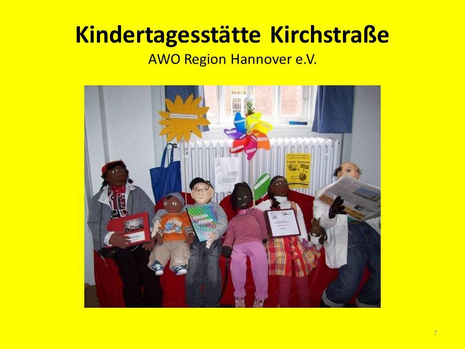 Moderation der Veranstaltung durch Ute Vesper und Kornelia Heinrich als Luise Schröder (AWO Region Hannover e.V.) 18