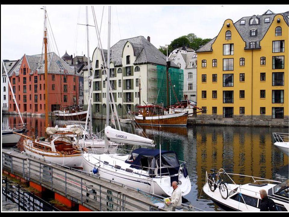 Alesund – die Farben des Nordens
