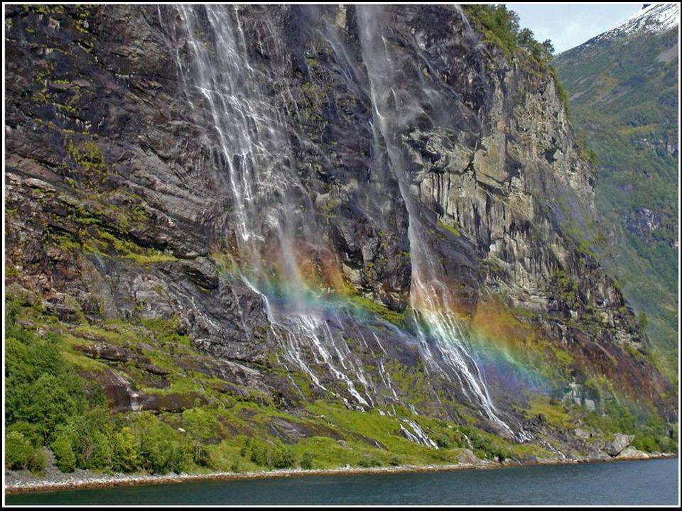 Bergkette: Sieben Schwestern bei Sandnessjøen
