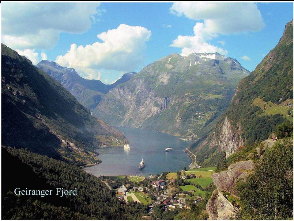 Cascaden von der Bergkette Sieben Schwestern