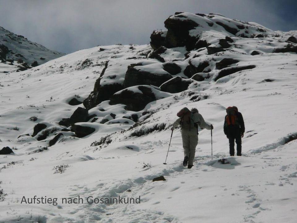 Aufstieg nach Gosainkund