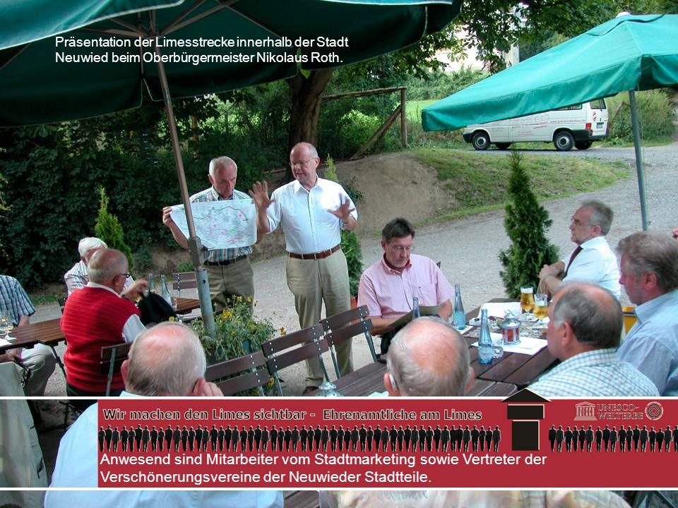 Anwesend sind Mitarbeiter vom Stadtmarketing sowie Vertreter der Verschönerungsvereine der Neuwieder Stadtteile. Präsentation der Limesstrecke innerha