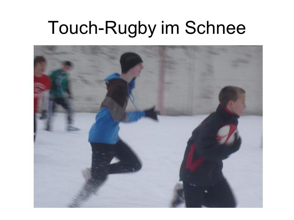Touch-Rugby im Schnee