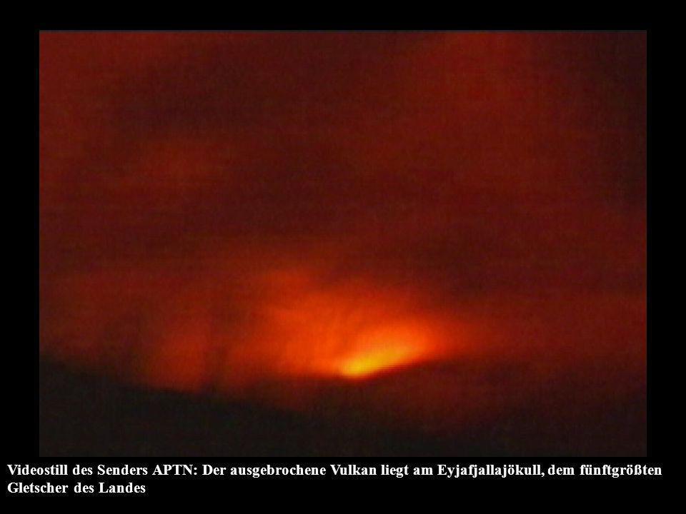 Videostill des Senders APTN: Der ausgebrochene Vulkan liegt am Eyjafjallajökull, dem fünftgrößten Gletscher des Landes