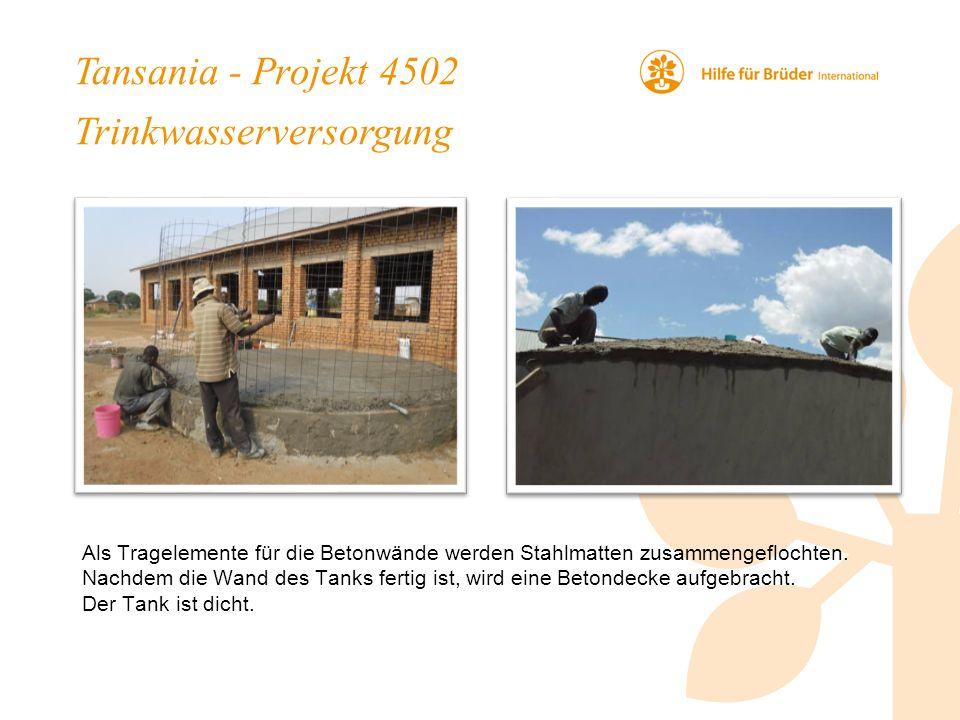 Tansania - Projekt 4502 Trinkwasserversorgung Als Tragelemente für die Betonwände werden Stahlmatten zusammengeflochten.