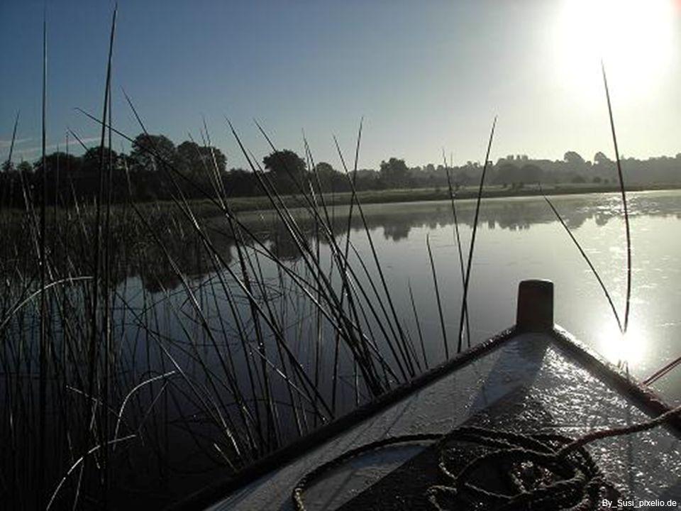 Stimmungsvolle Morgenröte….. lässt einen schönen, neuen Tag erahnen By_Jadden-Watt_pixelio.de