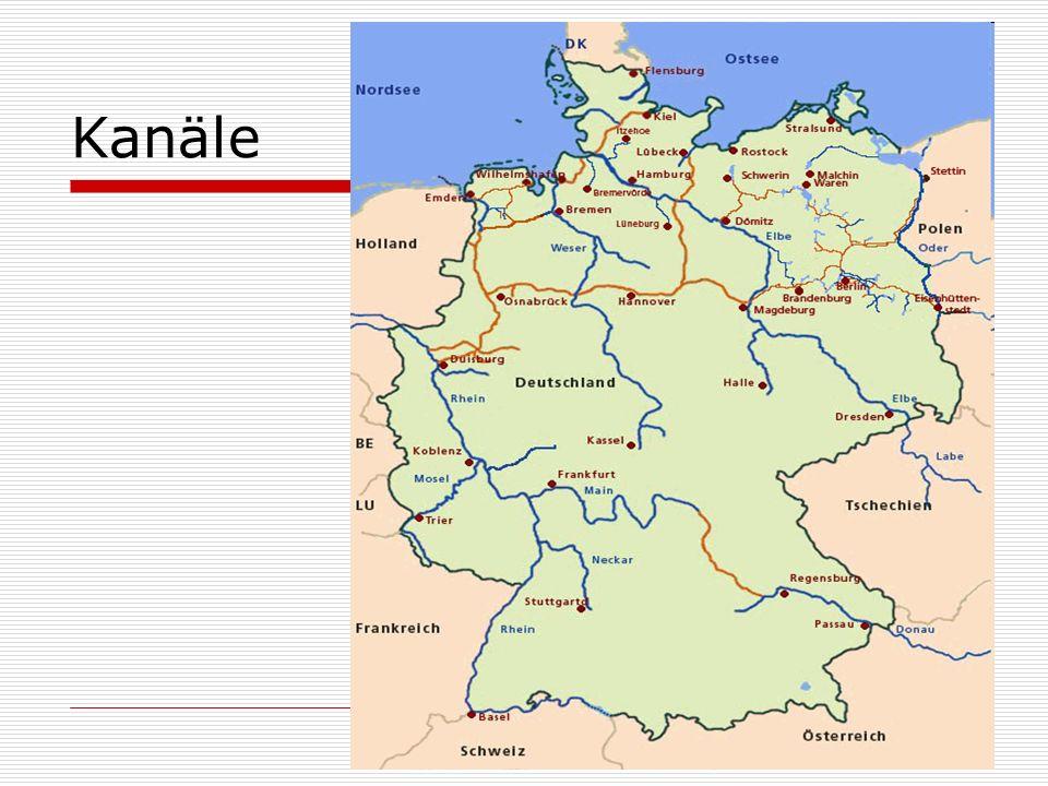 Bevölkerung und Sprache 81 900 000 Einwohner Amtsprache is Deutsch aber da sind viele Dialekte.