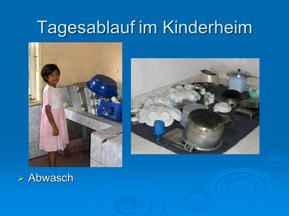Tagesablauf im Kinderheim Abwasch Abwasch